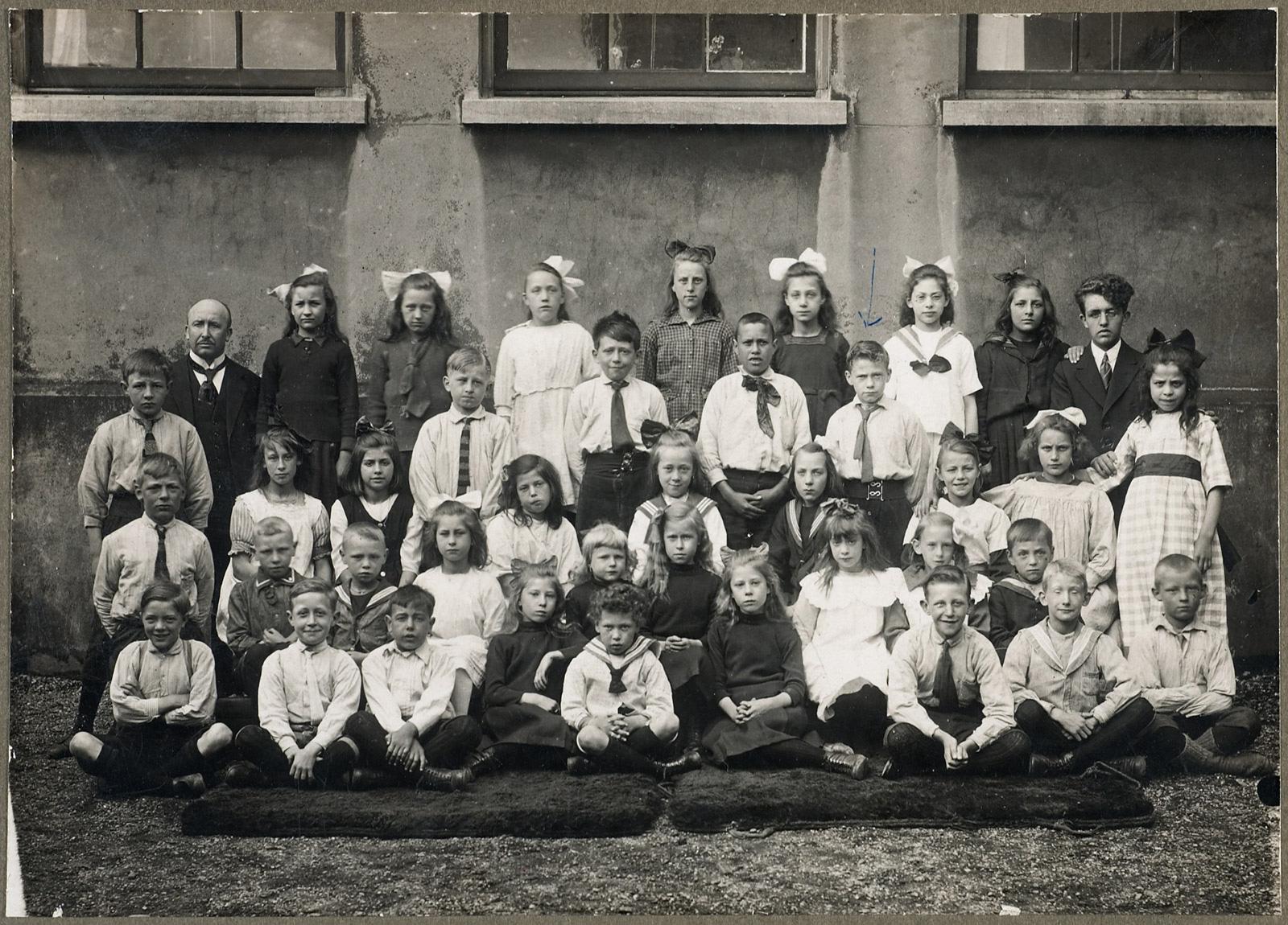 Melle schilder | Lagere school / primary school Wittenburg, film op fotopapier
